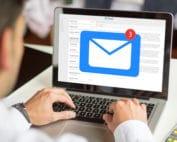 Consulter les emails personnels d'un collègue à son insu